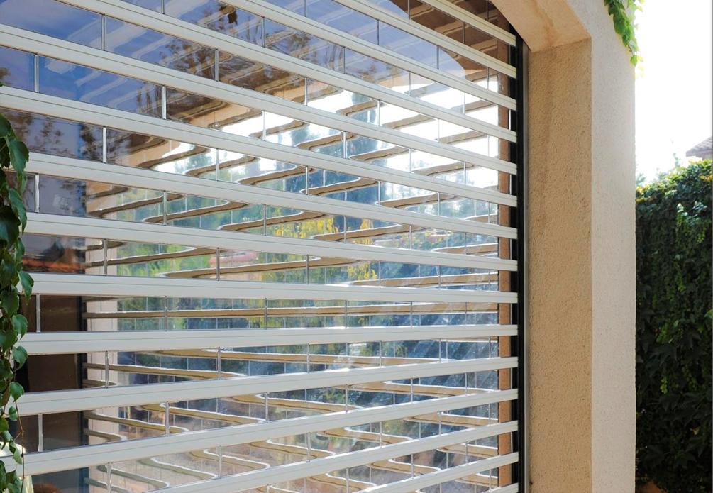 Profilight blindavue un rideau transparent en polycarbonate sécurisé